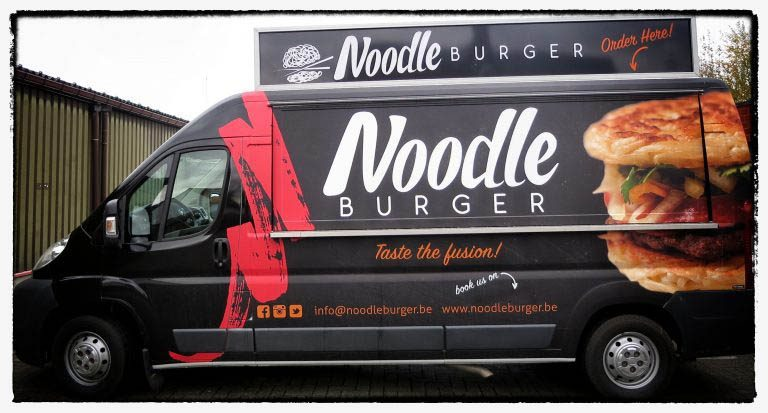 Noodle Burger Foodtruck wrapped